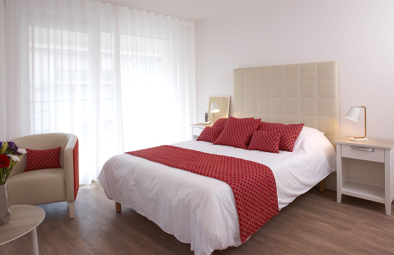 residence-seniors-des-poetes-citivie-beziers-languedoc-roussillon-chambre-design